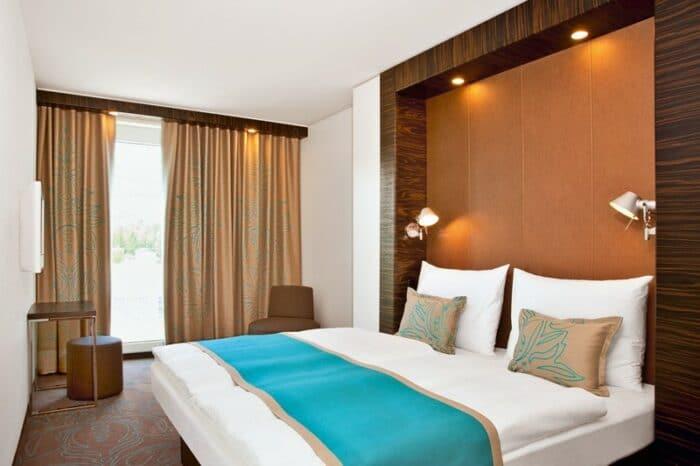 Das Design-Hotel Motel One Berlin-Spittelmarkt liegt direkt an der Leipziger Straße